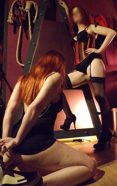 manchester-mistress-crimson