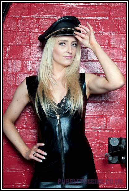 Manchester-Mistress-Courtney