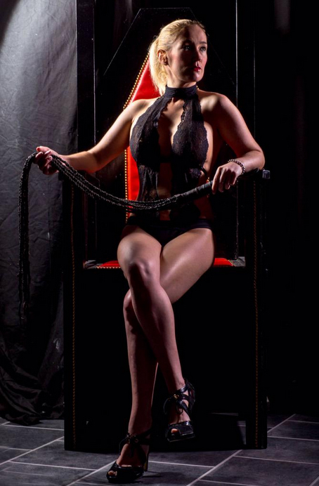 Manchester-Mistress-Luci-White