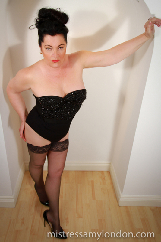 Mistress Amy London aunty dominatrix London